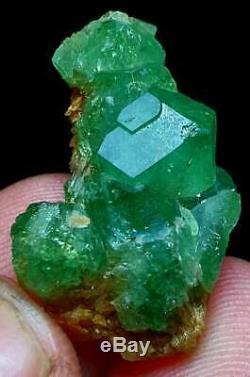 41-cts-rare-emerald-green-demantoid-garnet-termianted-crystal-bunch-specimen-af