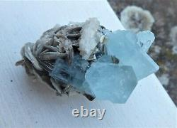 Aesthetic Aquamarine crystal cluster with Mica 5cm
