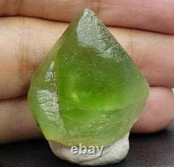 Peridot 85.70 carats Crystal / Specimens / cluster