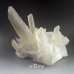11.8lbs Grande Grappe De Cristal De Quartz Épais, Madagascar-q1021