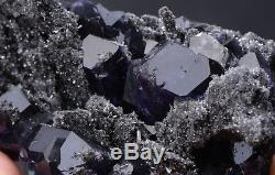 144.2g Naturel Violet. Spécimen Minéral De Grappe De Quartz De Quartz De Fluorite Bleu