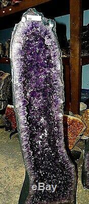 34 Pouces Améthyste Brésilienne Cathédrale En Cristal De La Grappe De Musée De La Paire Geode Gd