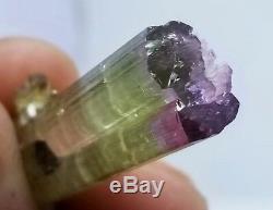 40 Cts Classe Mondiale Chapeau Violet Cristal St Tourmaline Avec De Petits Cristaux Tas