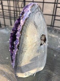 Améthyste Uruguayenne De Grappe De Geode De Cristal De Quartz Profond Pourpre Agate