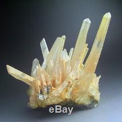 Cluster De Cristal De Quartz 1.2lbs Avec Hématite, Chine-q1006