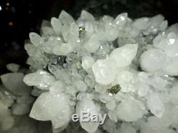 Cristal Cluster & Goethite Cristal Sur Pierre Noire Dans Une Belle Galerie Unique