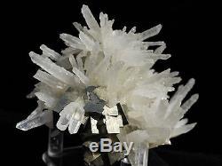 Cristaux De Pyrite Lumineux Et Minéral De Grappe De Quartz De Sceptre De Shangbao, Chine