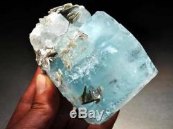 Énorme 444 G Aquamarine Gem Cristal Cluster Withmica, Nagar, Pakistan! Aq388