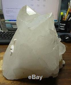 Énorme Cristal De Quartz Clair Geode Cluster De La Lampe De La Cathédrale Du Brésil