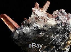 Hématite Noire Et Minéraux De Grappe De Quartz Rouge De 2,4 Lb De La Mine De Jinlong, Chine