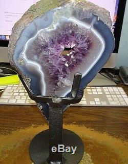 Lg. Améthyste Cristal Cluster Cathédrale Geode F / Uruguay Agate Slab Stand En Acier