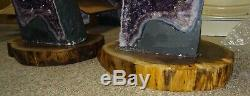 Paire De Solide Noyer Noir Crystal Cathedral Cluster Geode Stands Live Edge