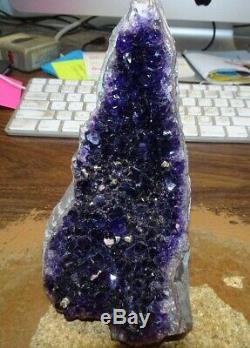 Sombre Améthyste Cristal Cluster Geode De La Cathédrale Uruguay