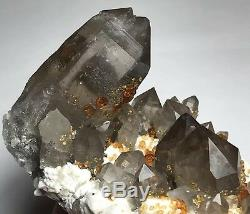 +++ Superbe Spessartine Avec Une Mine De Quartz Fumé De Wushan, Tongbei, Chine ++